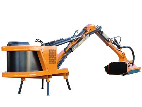 Professional range - Hedge-cutter with maximum reach 5,70 m suitable for medium and big tractors